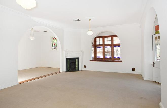 Lovely original Federation features such as fire places, arches, and open living areas.