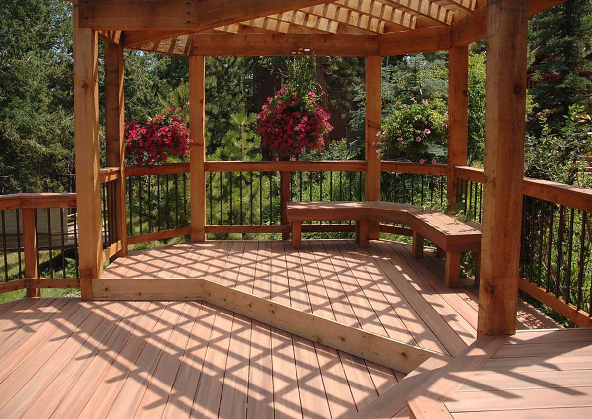 Deck Out Your Garden This Spring